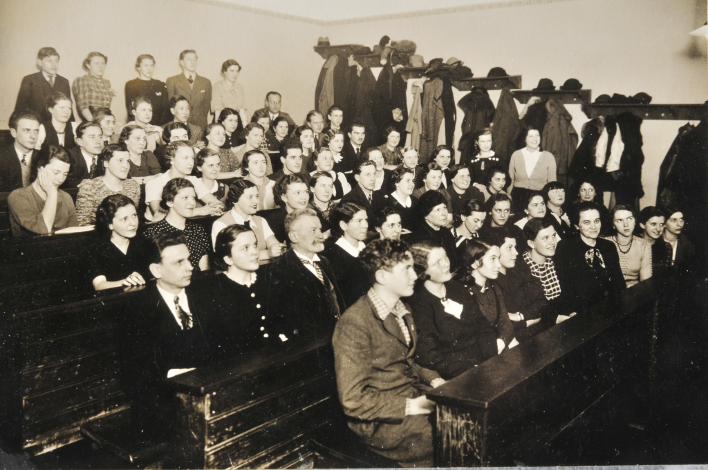 Harmonielehre class, Vienna Academy of Music, March 1937.