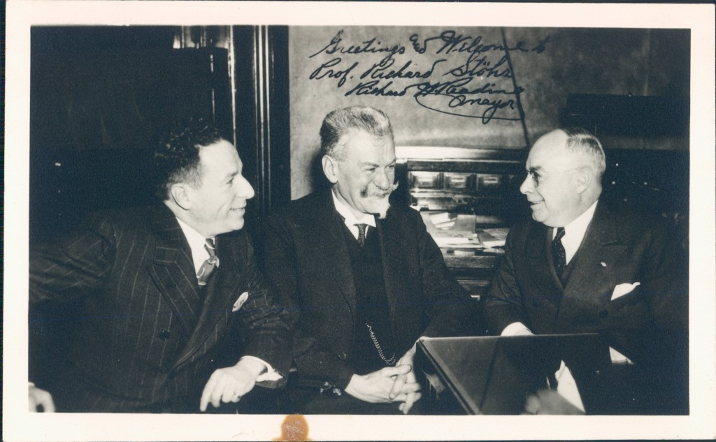 Richard Stoehr with the outgoing mayor of Detroit Richard Reading (right), December 1939.